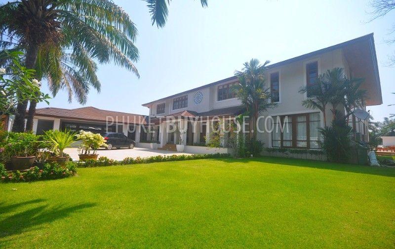 KTH6071:精心设计的别墅位于私人奢华的村庄,四周环绕湖泊和高尔夫球场,编号45425