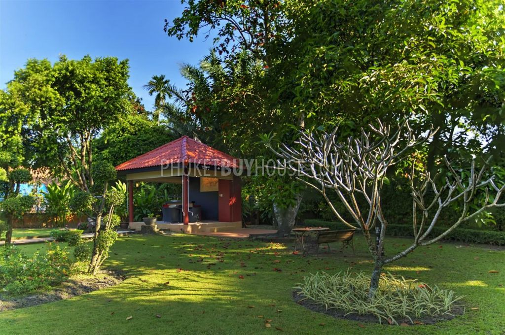 Cha5403 big 3 bedroom bungalow at chalong with big garden for Big fish ponds for sale