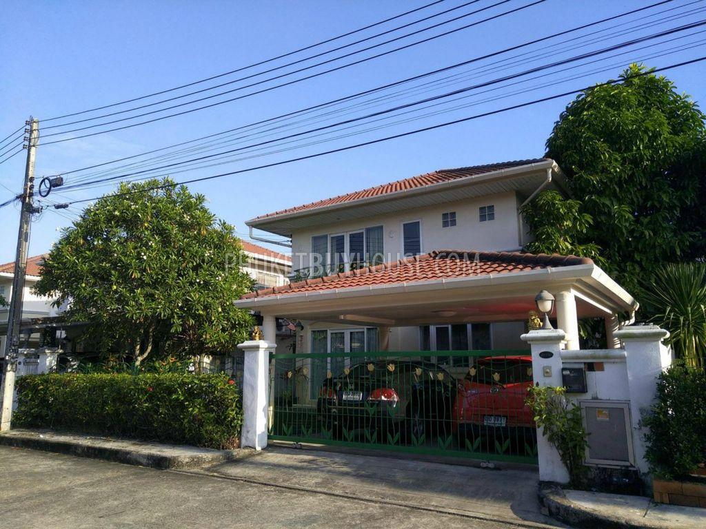 TAL5961: Thalang的2层3卧室住宅